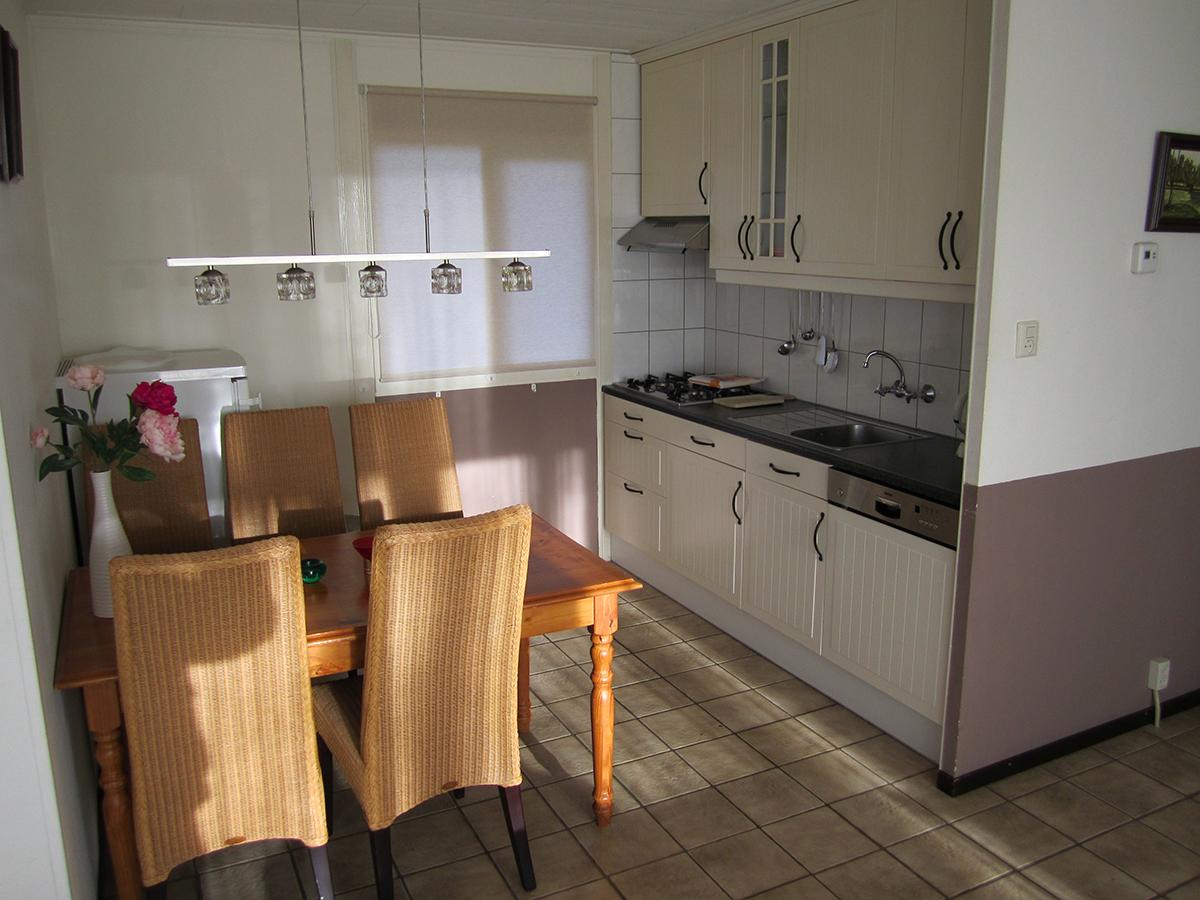 fgb-moderne-keuken-bungalow-vakantiehuisje